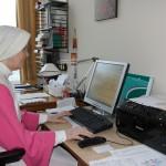 Overste Maria Confidens verzorgt de correspondentie.